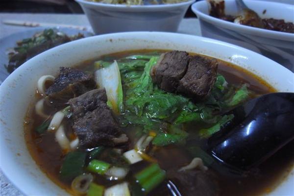銅鑼知名牛肉麵店-韓香村
