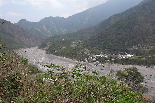 即將進入霧台必經之道,對面部落-谷川村(舊地名:伊拉)