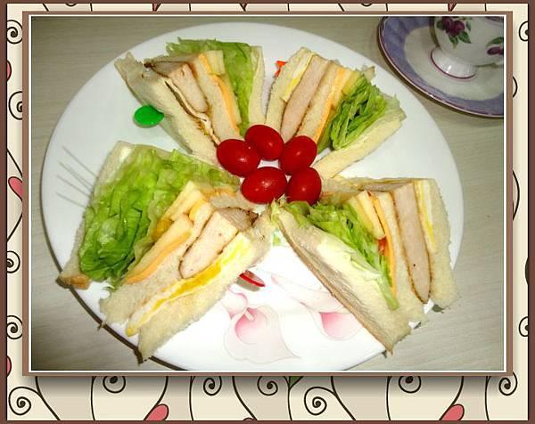 蔬果雞肉三明治