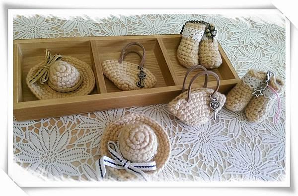(18)鉤織--迷你包包、帽子、靴子2-1.jpg
