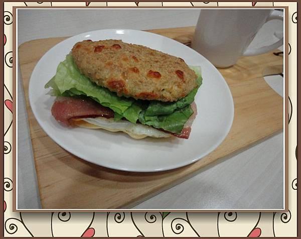 (5)低醣烘培--無麵粉全麥漢堡3-1.jpg
