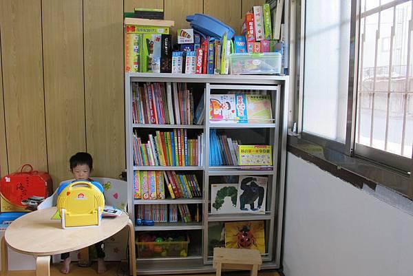 方塊躲貓書櫃2