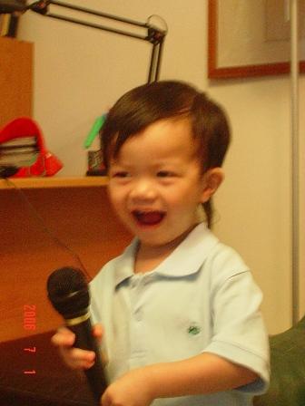在大伯家的影音室~唱歌囉!安寬的二次體驗