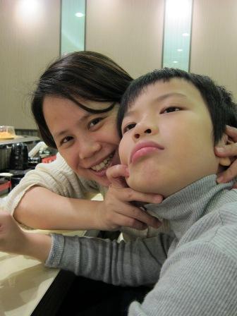 八歲慶生下午遊多了位新成員_芳芳阿姨唷