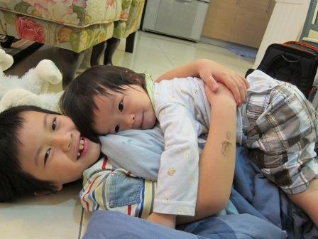 我愛的兩個兒子^^