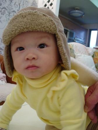 小baby穿著翅膀裝果然超級可愛