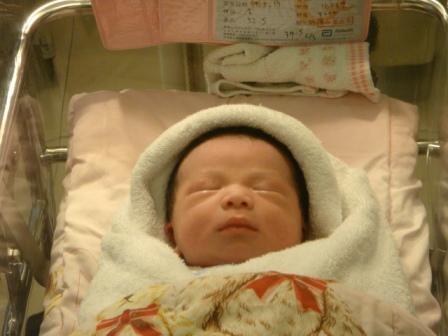 剛出生的寶貝