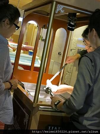 102.10.02高雄-海港餐廳&黃色小鴨 084