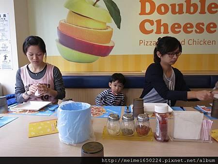 102.12.08 Double Cheese聚餐 006.jpg