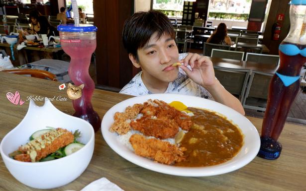 新加坡水上探險樂園怪獸咖哩飯.jpg