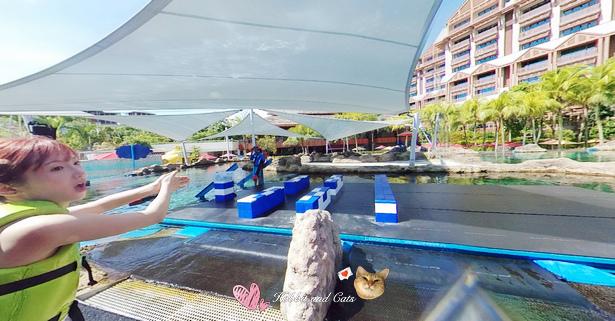 新加坡水上探險樂園彩虹礁游下水前.jpg