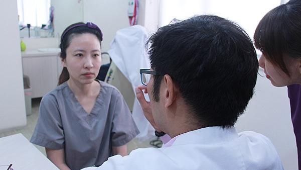 6玉瑩術前評估近照-高雄醫美診所整形外科賴慶鴻雙眼皮.png