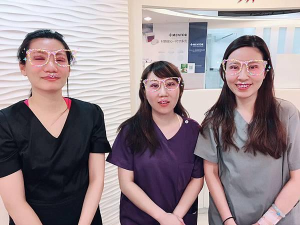 14術後隔天合照-高雄醫美診所整形外科賴慶鴻雙眼皮.jpg