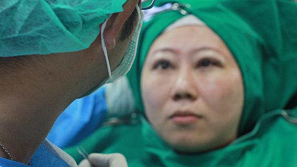 13術中需清醒睜眼隨時調整-高雄醫美診所整形外科賴慶鴻雙眼皮.png