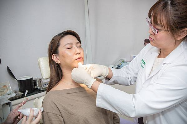 21-黑糖妹玻尿酸下巴短小內縮高雄美妍醫美診所整形外科.jpg