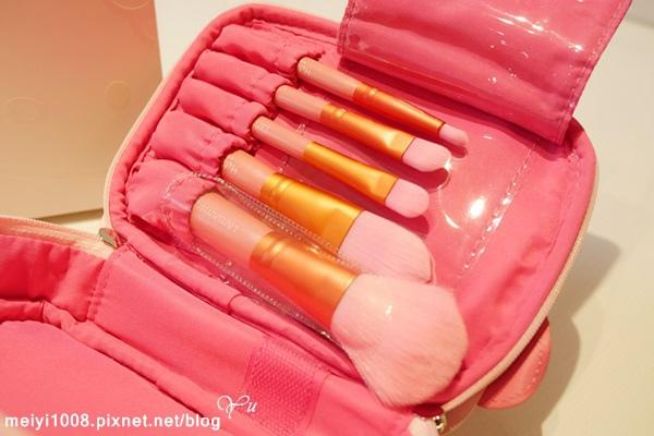 LSY林三益Hello Kitty 甜蜜夢幻刷具旅行組