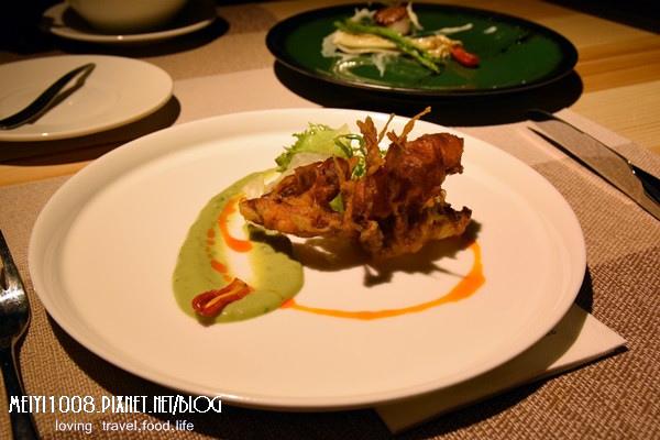 竹北波咔Pokaa酥炸軟殼蟹酪梨優格醬