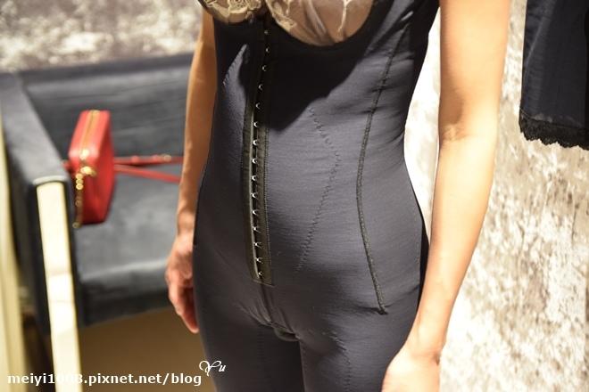 維娜斯輕磅推推指量身訂做產後塑身衣