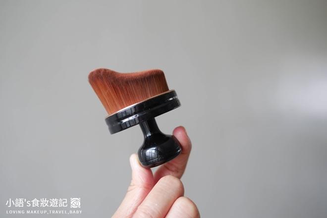 花娜小姐裸霧超遮保濕粉底液-3.jpg