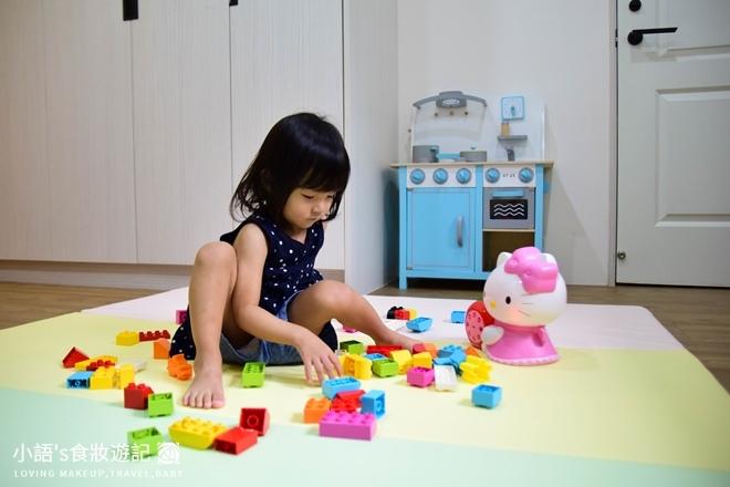 育兒好物_Hello kitty幼兒啟蒙教育故事機_寶寶玩具推薦-0381.jpg