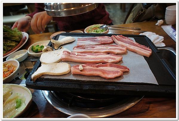 106-首爾行吃不停之超美味豬五花上場囉