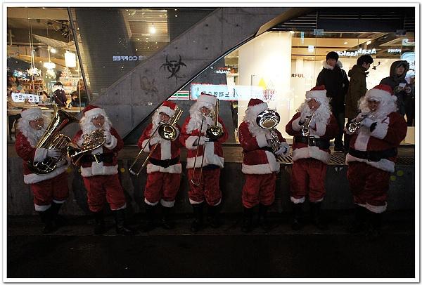 218-弘大街頭巧遇聖誕老公公