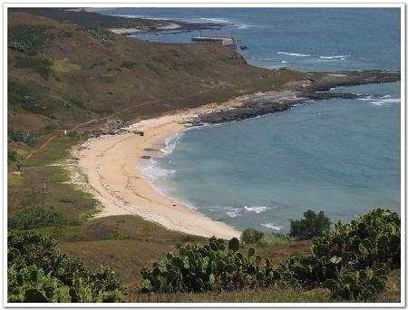 930625-望安-天台山鳥瞰-白色沙灘是綠觿龜保育區.jpg