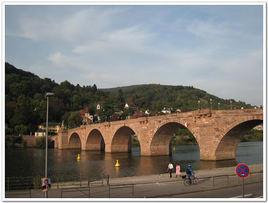 076-二百多年的海德堡古橋.jpg