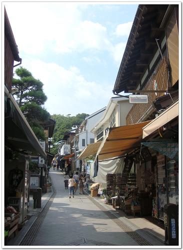 048-江之島的純樸街道.jpg