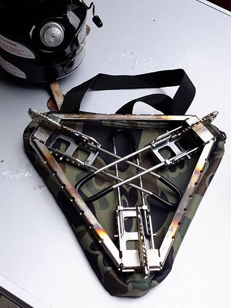 單爐的三角爐架