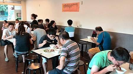 米粉湯-店內景2.jpg