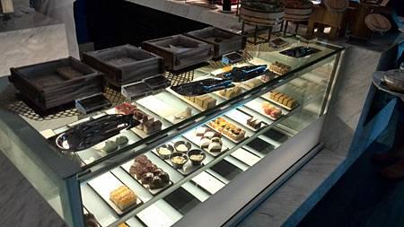 餐枱-甜點區2.jpg