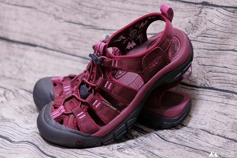 山女孩Melissa_keen_Newport Eco護趾涼鞋_心得分享MAOL7869.jpg