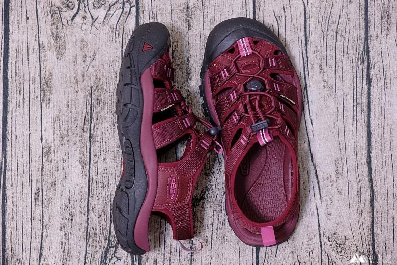 山女孩Melissa_keen_Newport Eco護趾涼鞋_心得分享MAOL7877.jpg