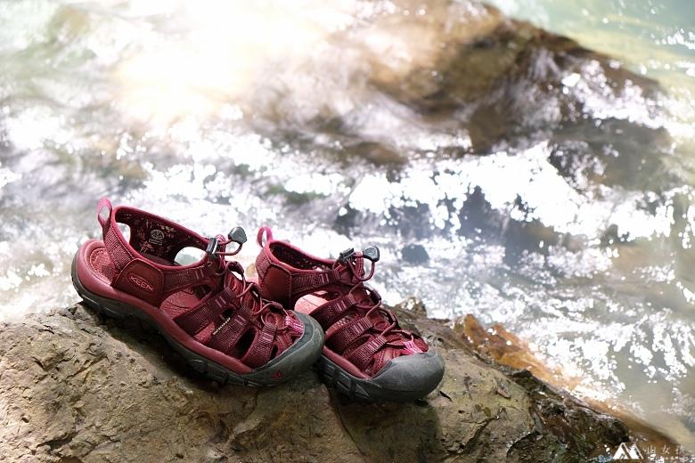 山女孩Melissa_keen_Newport Eco護趾涼鞋_心得分享MAOL8056.jpg