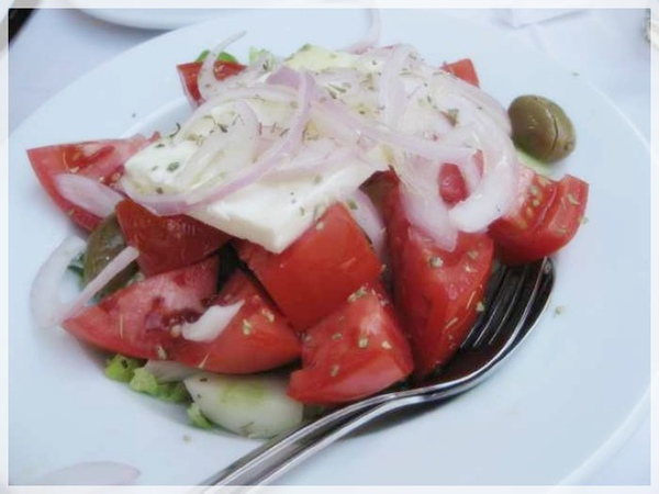 Damigos--Greek Salad_nEO_IMG.jpg