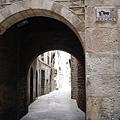 舊城區有很多這種小隧道小巷子