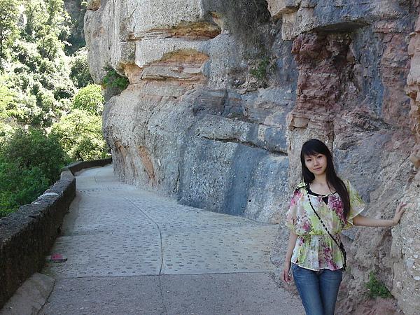要到懸崖禮拜堂的小通道