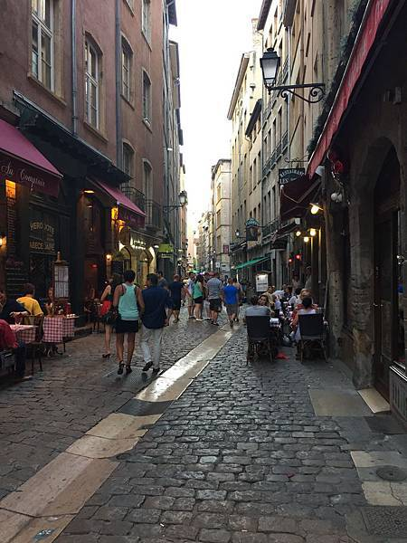 老里昂街景
