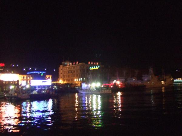 基隆海港的夜晚
