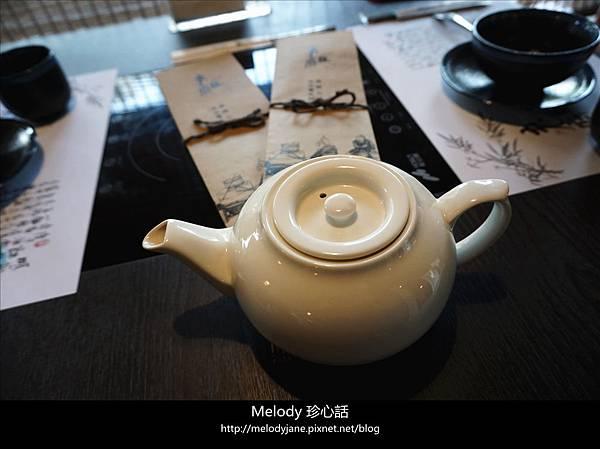198老豆府 麻辣火鍋白玉養生鍋.jpg