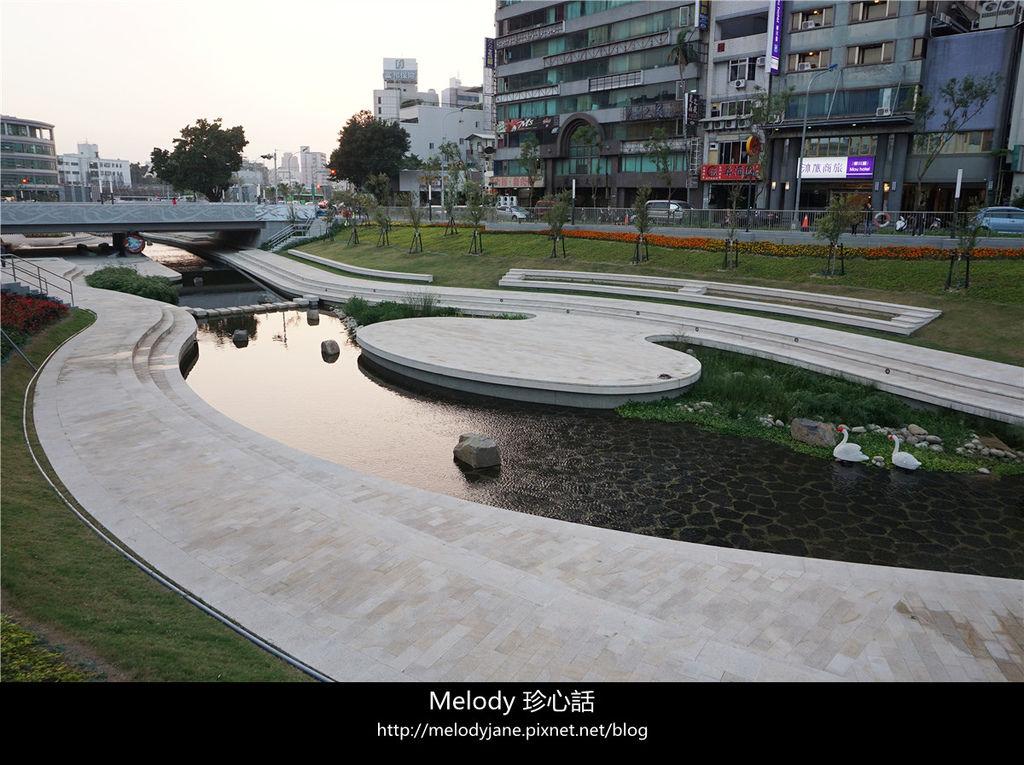 231台中 柳川河岸親水空間.jpg