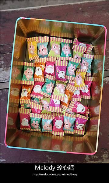 296卡娜赫拉的小動物 P助 粉紅兔兔 年節禮盒 森永手提禮盒.jpg