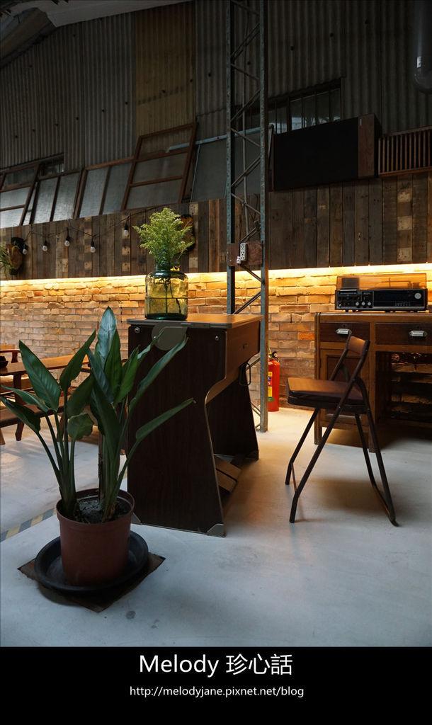 1410里厚來坐忠勤街咖啡店.jpg