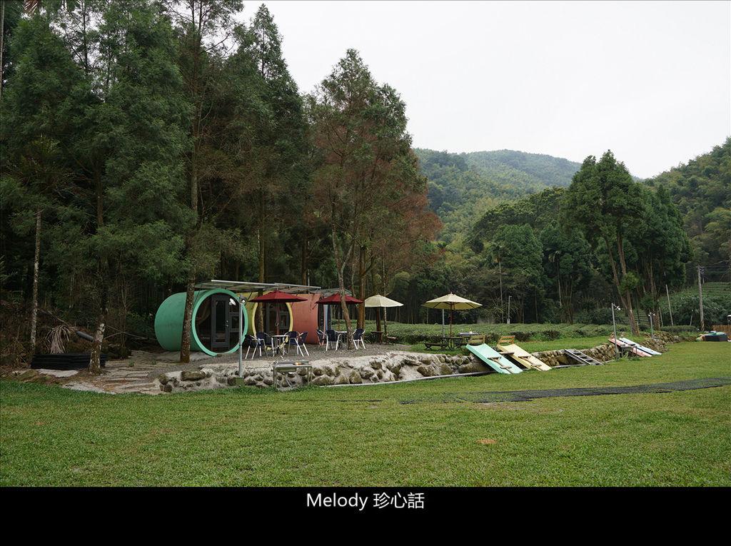 515 南投鹿谷景點 露山曉露營區 水管屋.jpg