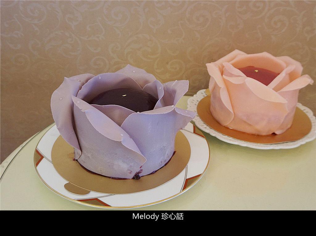 11 法布甜 法式玫瑰花蛋糕.jpg