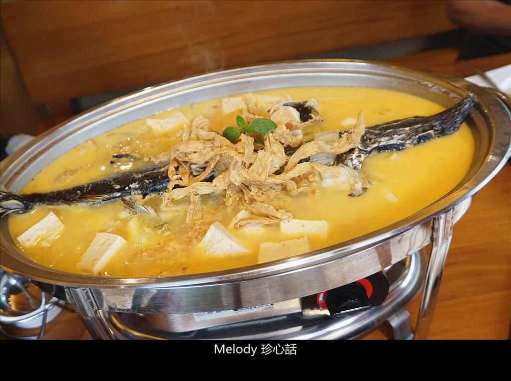 621 鱘龍魚鍋 黃金泡菜.jpg