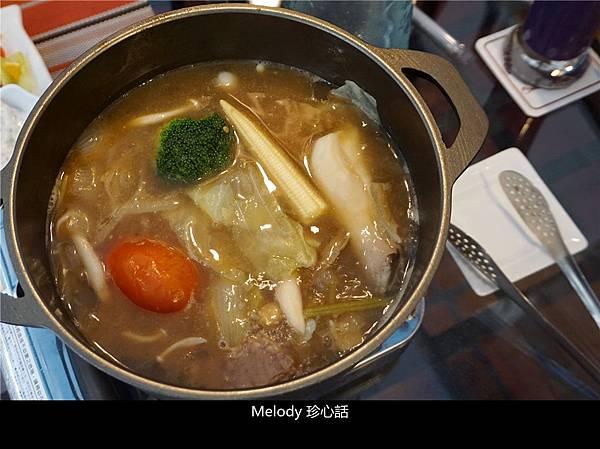 2614 台中火鍋 花雕雞.jpg