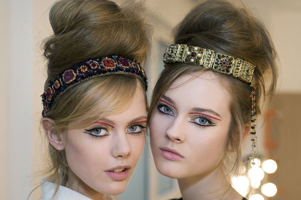 chanel-pre-fall-2011-paris-byzance-metiers-dart-show-backstage-beauty590.jpg