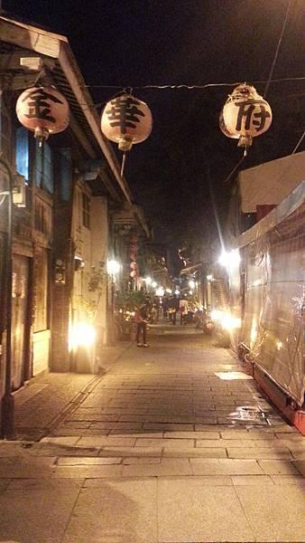 【台南民宿】房小屋~海安路:最潮的台南街頭藝術館